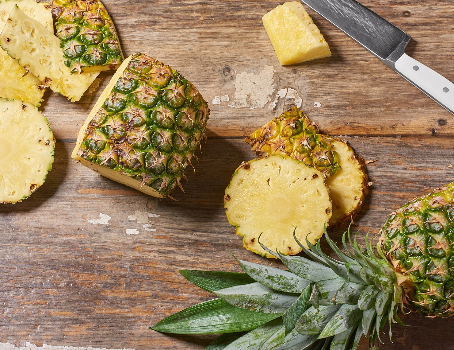 Pineapple_overhead_6009_notext_b